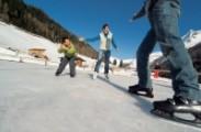 Eislaufen Eisstockschießen